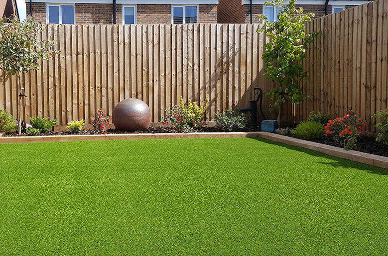 artificial-grass-west-yorkshite-fitters-installation